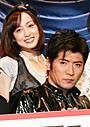 吉川晃司、若手俳優に囲まれオドオド