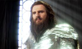 甲冑姿のゼウス…確かに「聖闘士星矢」っぽい!?「タイタンの戦い」