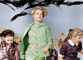 「絶望的な結末を迎える映画32本」に 選出された1963年の「鳥」