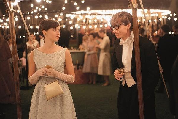"""""""車いすの天才物理学者""""と妻の純愛映画、邦題は「博士と彼女のセオリー」に決定 : 映画ニュース"""