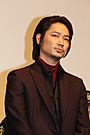 綾野剛、観客の写真撮影を快諾 被災地・九州に思い込め「我々の姿届けられたら」