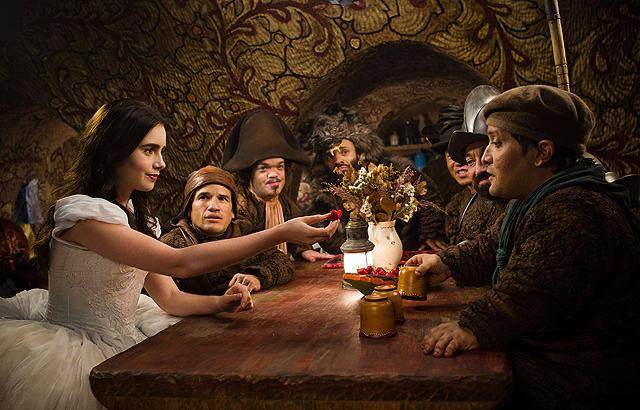 「白雪姫と鏡の女王」の画像4