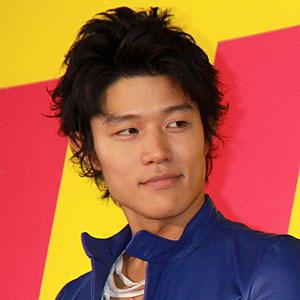 鈴木亮平 (モデル)の画像 p1_9