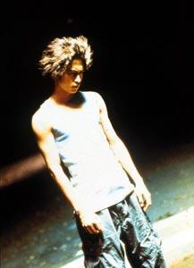 GO(2001)の映画評論・批評