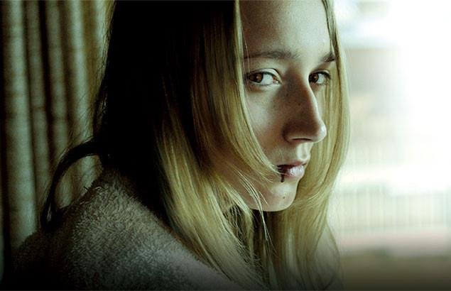 彼女に隠された秘密とはなにか? 北欧デンマークを舞台に描かれる濃厚なミステリー